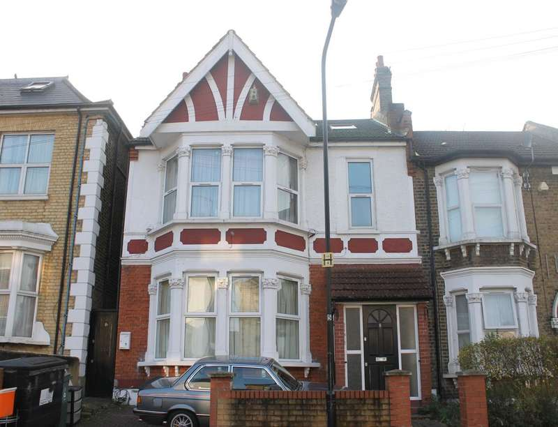 2 Bedrooms Flat for rent in Goldsmith Road, Leyton , London, E10