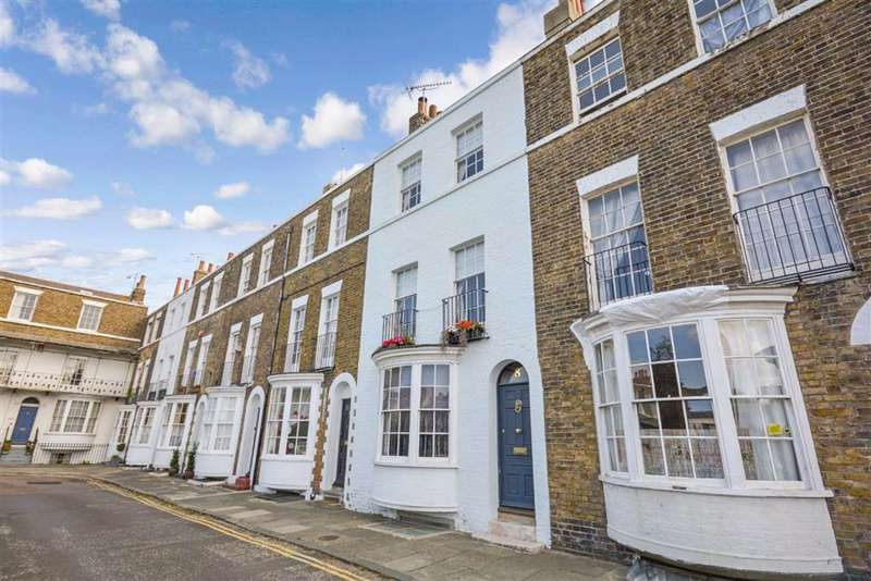3 Bedrooms Terraced House for sale in Spencer Square, Ramsgate, Kent