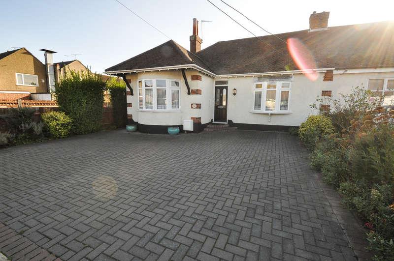 2 Bedrooms Semi Detached Bungalow for sale in Park Road, Benfleet