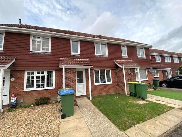 3 Bedrooms Terraced House for rent in Barlow Close, Hill Head, PO14