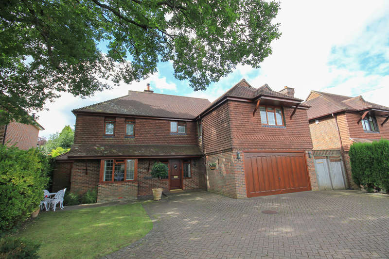 4 Bedrooms Detached House for sale in Hammerwood Road, Ashurst Wood