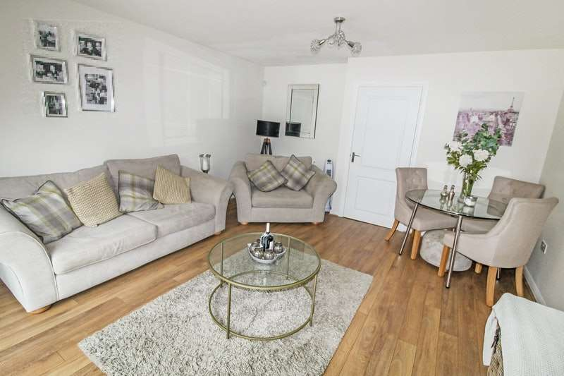 2 Bedrooms Semi Detached House for sale in Chester Pike, Newcastle upon Tyne, Tyne and Wear, NE15