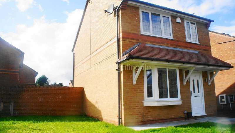 3 Bedrooms Detached House for sale in Wardle Road, Rochdale, Greater Manchester. OL12 9EL