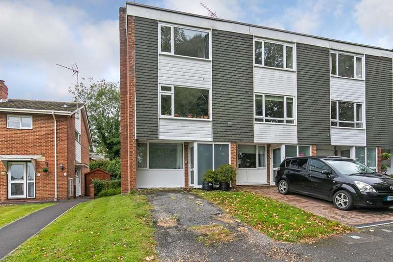 2 Bedrooms Town House for sale in Langton Close, Fulflood, Winchester, SO22