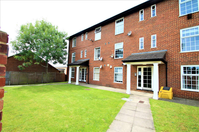 1 Bedroom Flat for sale in High Road, Loughton