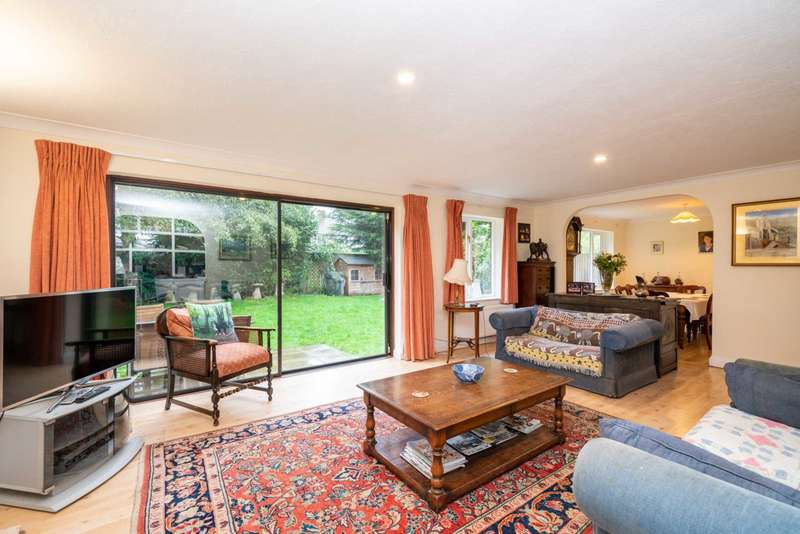 4 Bedrooms Detached House for sale in Chambersbury Lane, Leverstock Green