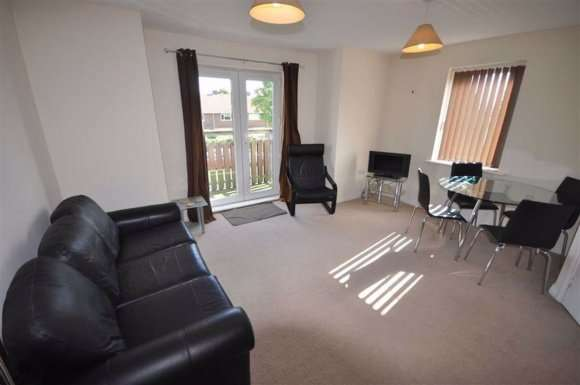 2 Bedrooms Property for sale in Mere Drive, Salford