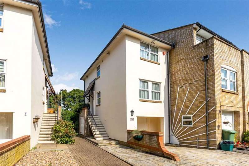 2 Bedrooms End Of Terrace House for sale in Farnborough Crescent, Hayes, Kent