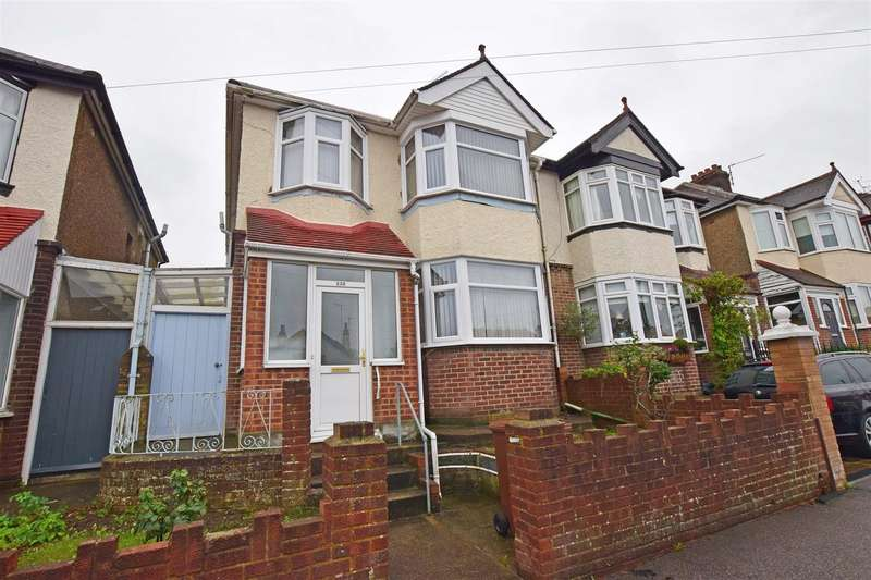 3 Bedrooms Semi Detached House for sale in Barnsole Road, Gillingham