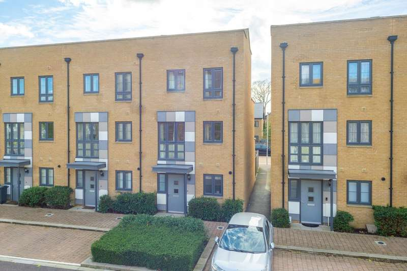 3 Bedrooms Town House for sale in Samuel Peto Way, Newtown Works, Ashford, TN24