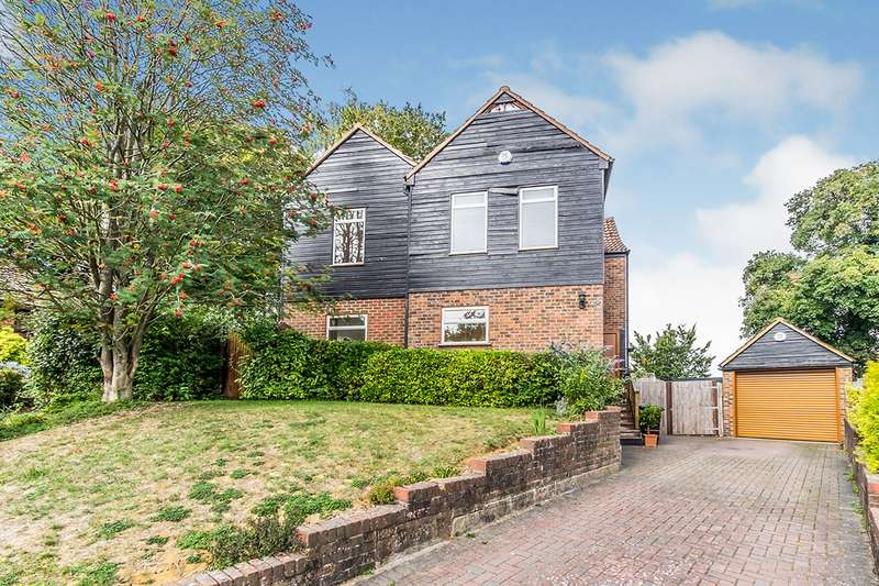5 Bedrooms Detached House for sale in Woodlands, Chatham, Kent, ME5