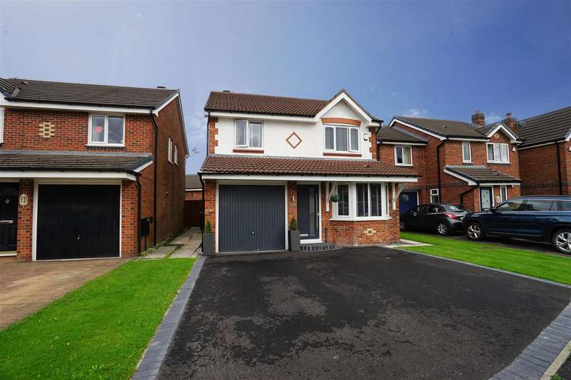 4 Bedrooms Property for sale in Butterwick Fields, Horwich, Bolton