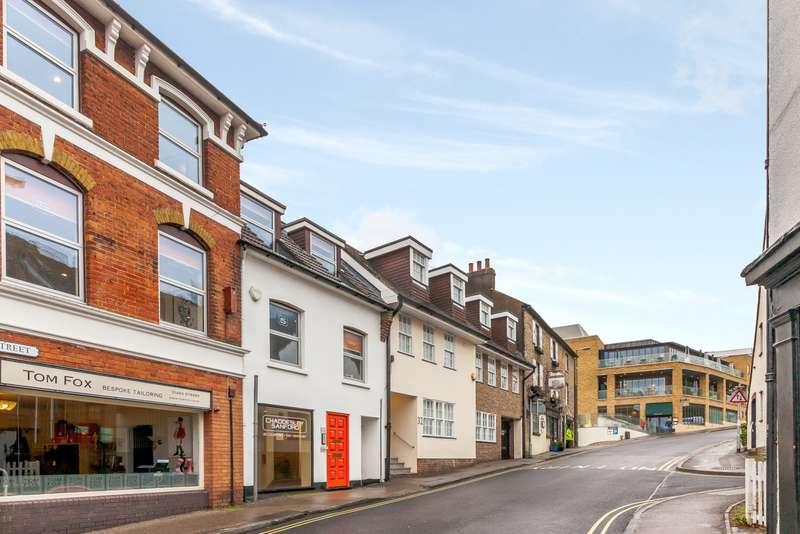 Studio Flat for rent in Castle Street, Guildford, GU1