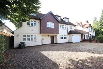 6 Bedrooms House for rent in EMERSON PARK - HORNCHURCH