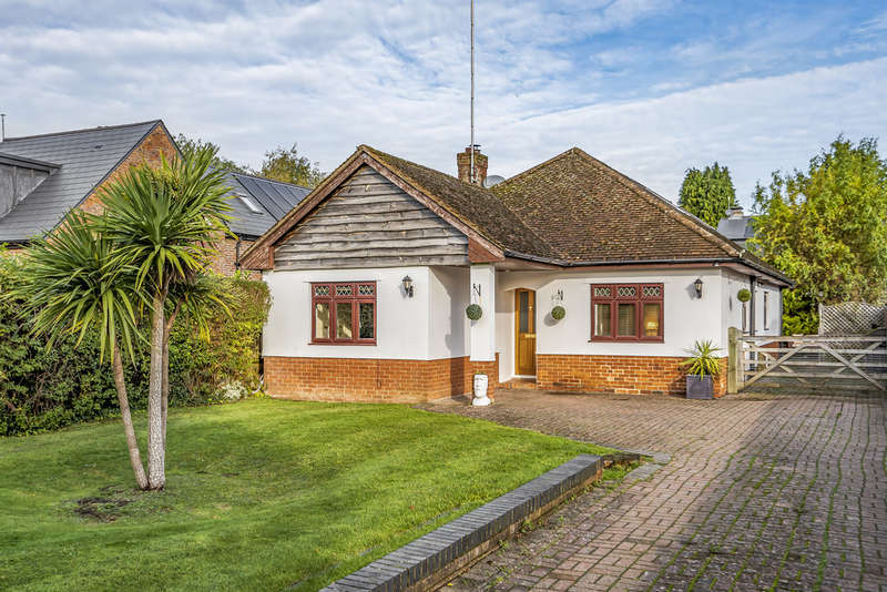 4 Bedrooms Detached House for sale in Stoney Lane, Winchester
