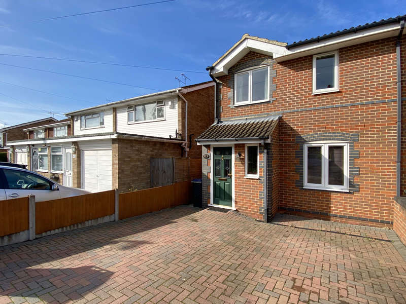 3 Bedrooms Semi Detached House for sale in Tyndale Park, Herne Bay