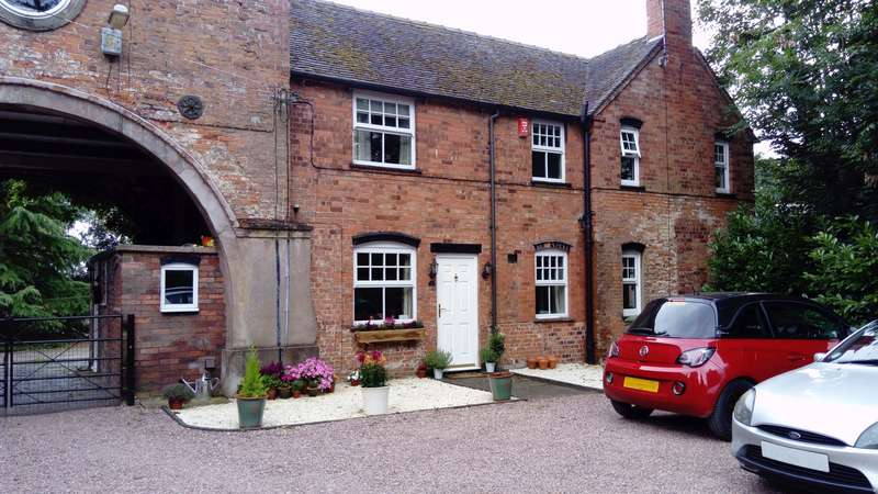 2 Bedrooms Property for rent in The Mount, Creswell, Stafford