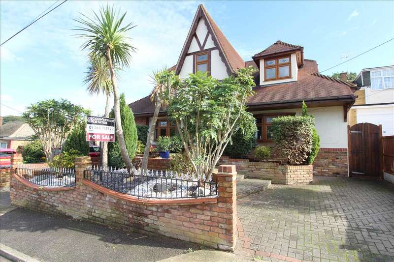 5 Bedrooms Detached House for sale in Downer Road, Benfleet