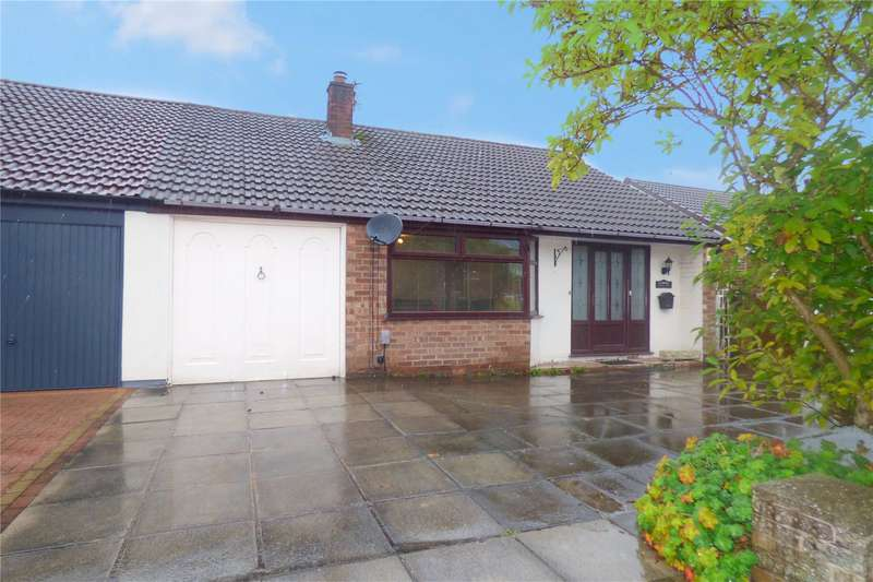 2 Bedrooms Semi Detached Bungalow for sale in Hardfield Road, Alkrington, Middleton, M24