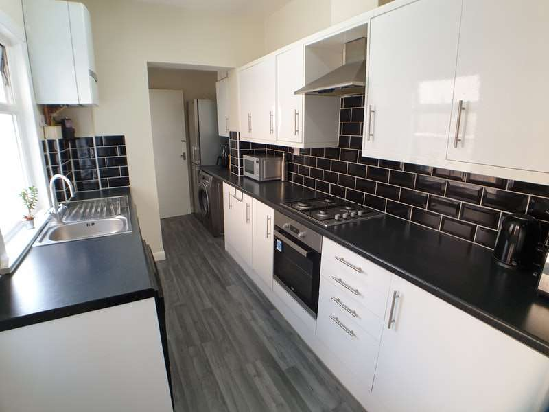3 Bedrooms Terraced House for sale in St. Marys Road, Ilford, Essex, IG1