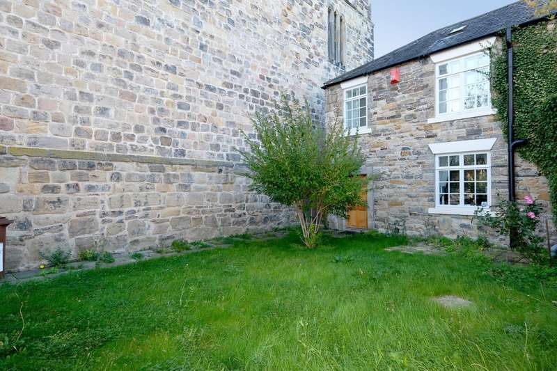 2 Bedrooms Cottage House for sale in Hallgate Hexham