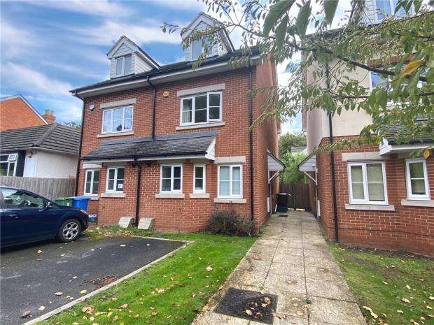 3 Bedrooms Semi Detached House for sale in Union Street, Farnborough, Hampshire