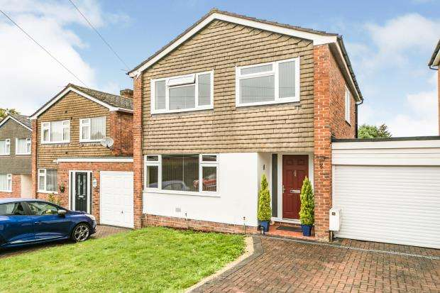 3 Bedrooms Link Detached House for sale in Tadley, Hamshire