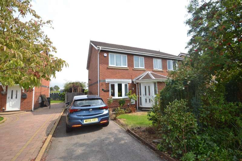 3 Bedrooms Semi Detached House for sale in Haseley Close, Radcliffe, Manchester