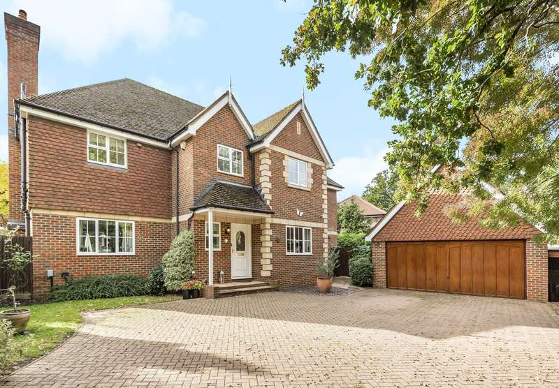5 Bedrooms Detached House for sale in Burton Drive, Guildford, GU3