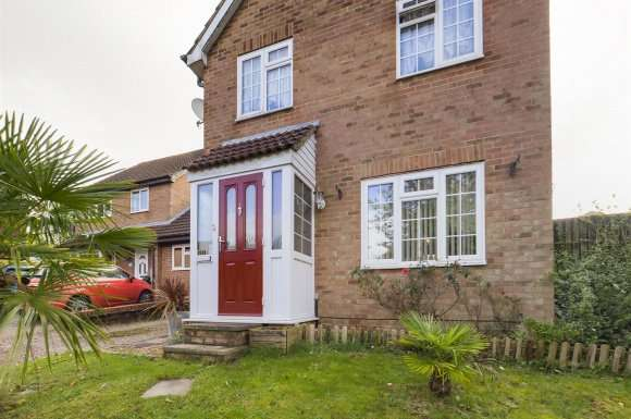 3 Bedrooms Property for sale in Paterson Close, Basingstoke