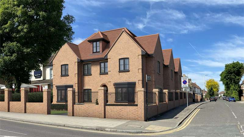 2 Bedrooms Apartment Flat for sale in Station Lane, Hornchurch, RM12