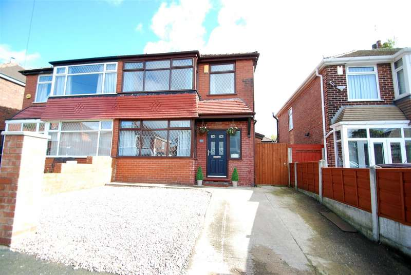 3 Bedrooms Semi Detached House for sale in Horncastle Road, Manchester