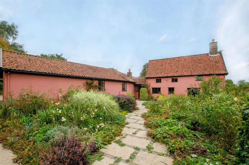 4 Bedrooms Farm House Character Property for sale in Forncett St. Mary, NR15