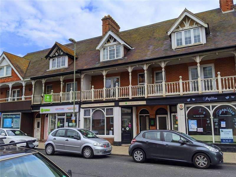 3 Bedrooms Apartment Flat for sale in Pier Street, Lee-On-The-Solent, Hampshire, PO13