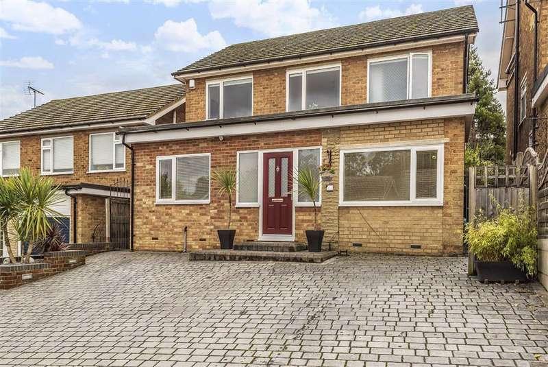 4 Bedrooms Detached House for sale in Denewood, New Barnet, Hertfordshire