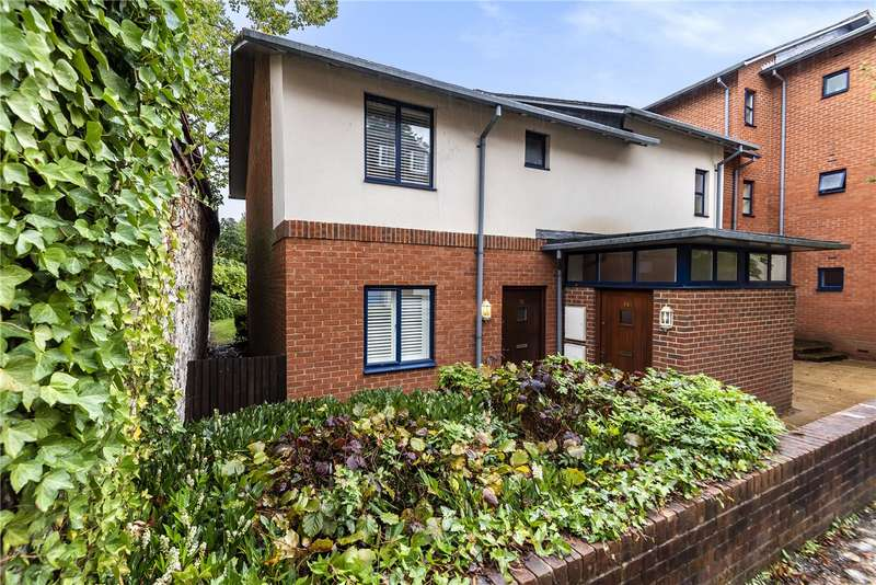 1 Bedroom Flat for sale in Silchester Place, Winchester, Hampshire, SO23