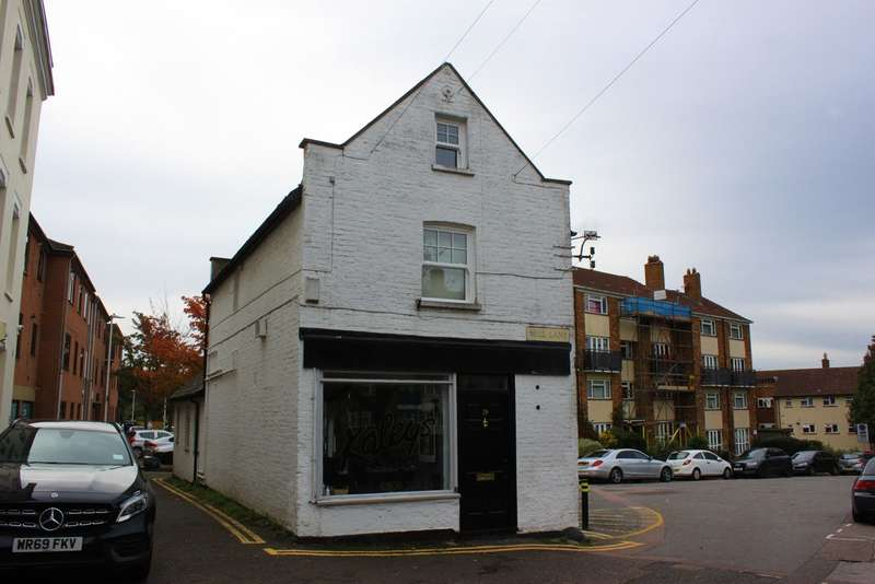 1 Bedroom Flat for sale in Mill Lane, Woodford Green
