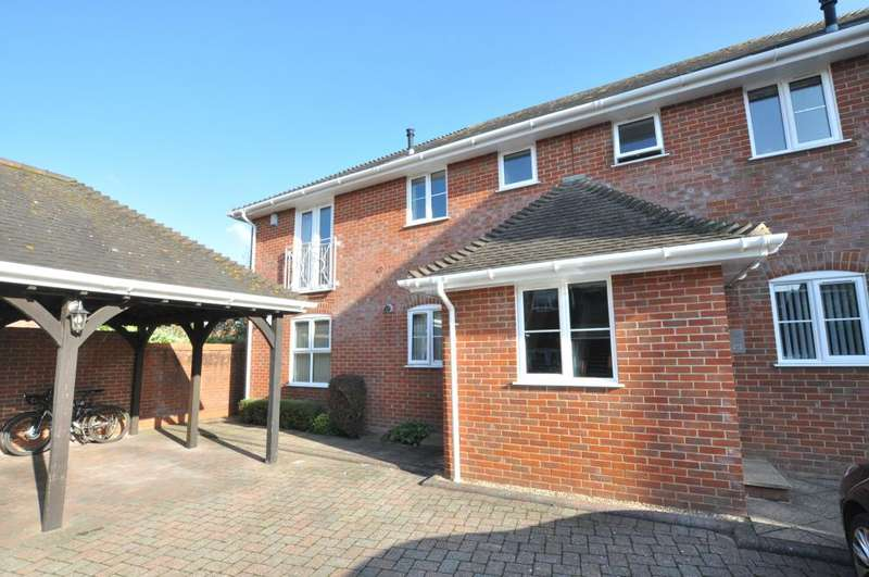 2 Bedrooms Apartment Flat for sale in Ringwood, BH24 1DG