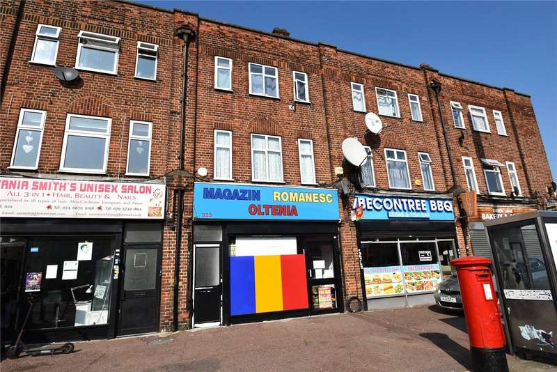 3 Bedrooms Apartment Flat for sale in Green Lane, Dagenham, RM8