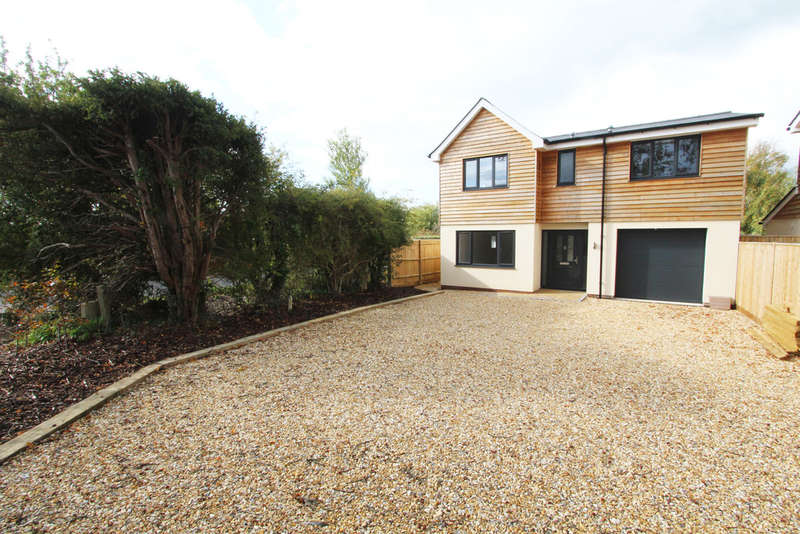 Detached House for sale in Upper Crabbick Lane, Denmead