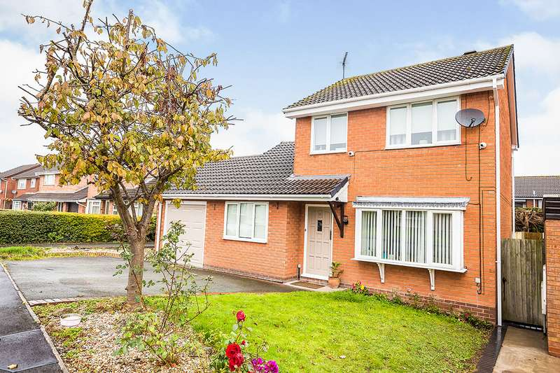 4 Bedrooms Detached House for sale in Balmoral Crescent, Oswestry, Shropshire, SY11