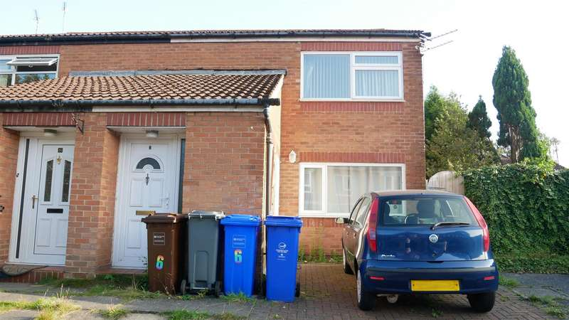 2 Bedrooms Property for sale in Totland Close, Manchester