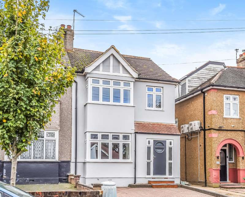 4 Bedrooms Semi Detached House for sale in The Avenue, Hornchurch, RM12 4JQ