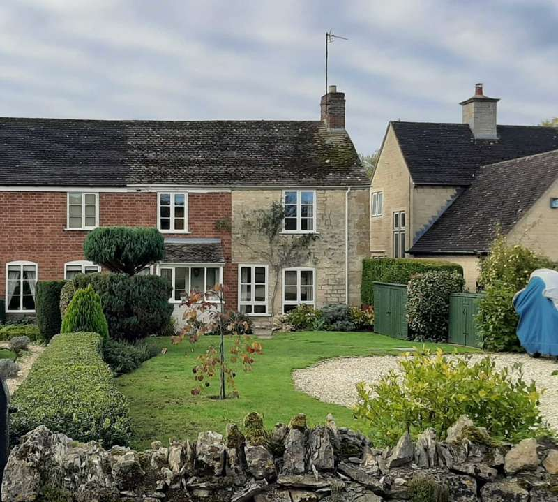 3 Bedrooms Cottage House for sale in Watery Lane, Kinsham, Gloucestershire/Worcestershire
