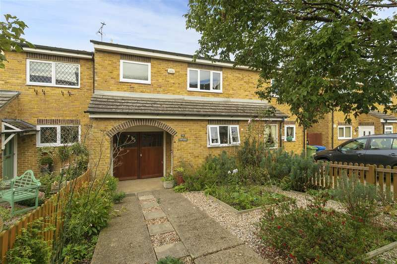 3 Bedrooms Terraced House for sale in Cyprus Road, Faversham