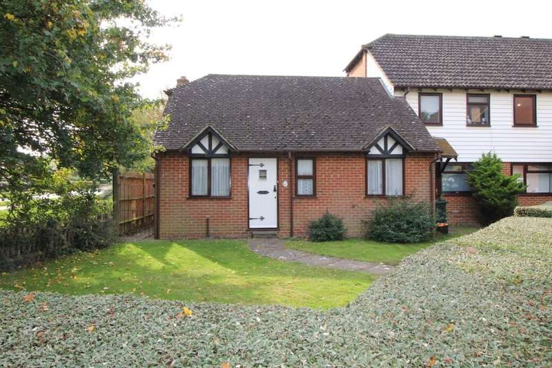 2 Bedrooms Semi Detached Bungalow for sale in Dragonfly Close, Ashford, TN23
