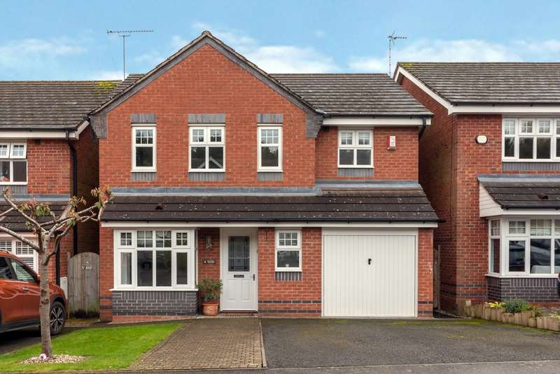 4 Bedrooms Detached House for sale in Bluebell Hollow, Stafford