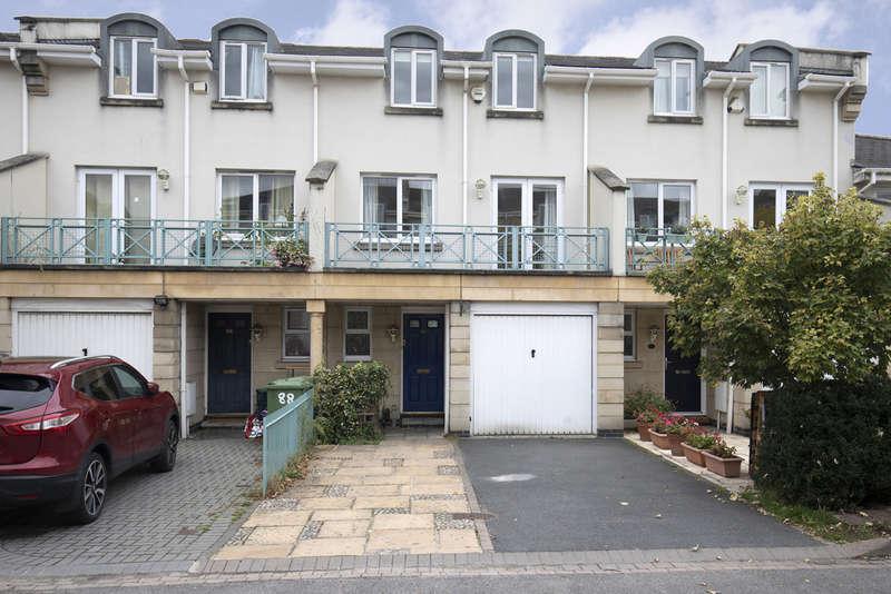 5 Bedrooms Terraced House for sale in Sheldons Court, Cheltenham GL52 2NR