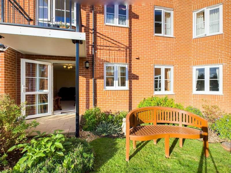 1 Bedroom Flat for sale in Havant Road, Cosham, Portsmouth, PO6 2HZ