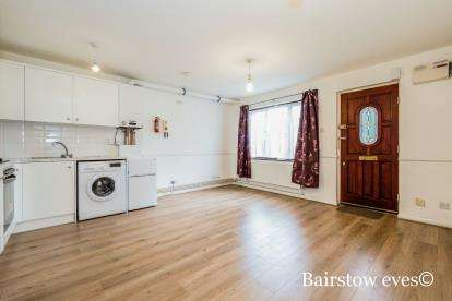 1 Bedroom Maisonette Flat for sale in Chigwell, Essex